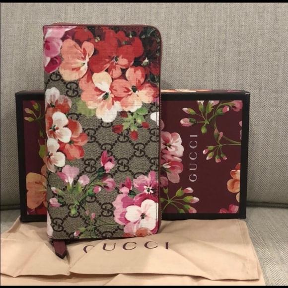 Gucci Handbags - Authentic Gucci Blooms Zip Around Wallet